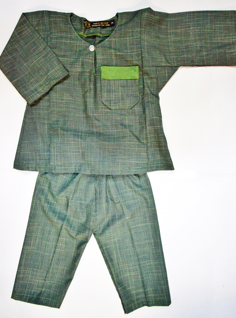 BOYS DARK GREEN